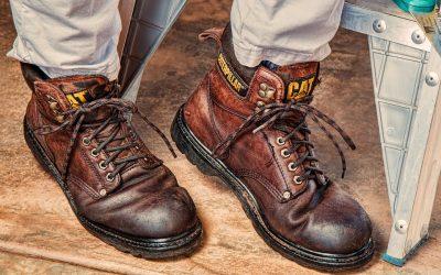 Protejeaza-ti picioarele la locul de munca cu incaltamintea adecvata